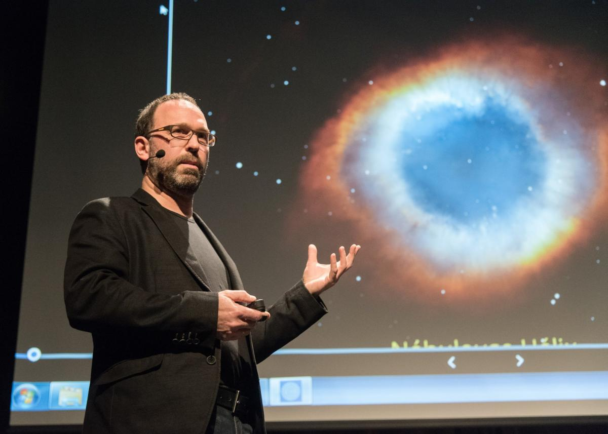 Martin Aubé receives the Galileo Prize from the